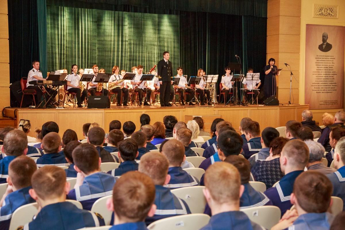 Десять лет успешного музыкального марафона Эстрадного оркестра Морского университета