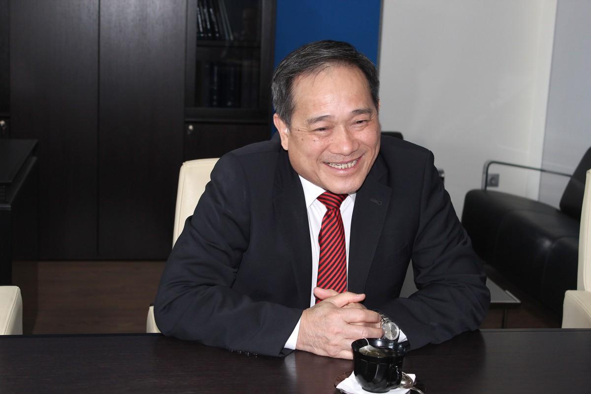 Визит Генерального консула Вьетнама во Владивостоке Хуинь Минь Тиня