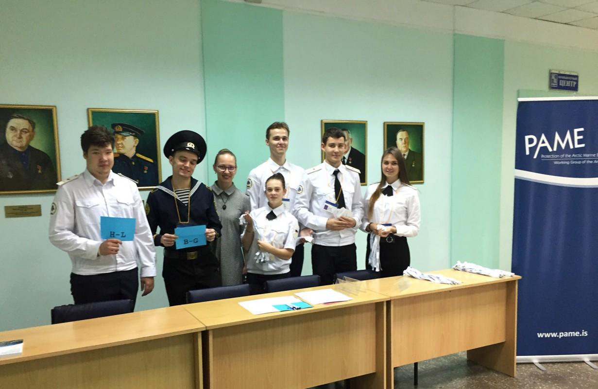 Волонтёры помогли создать для иностранных гостей комфортные условия для работы на совещании