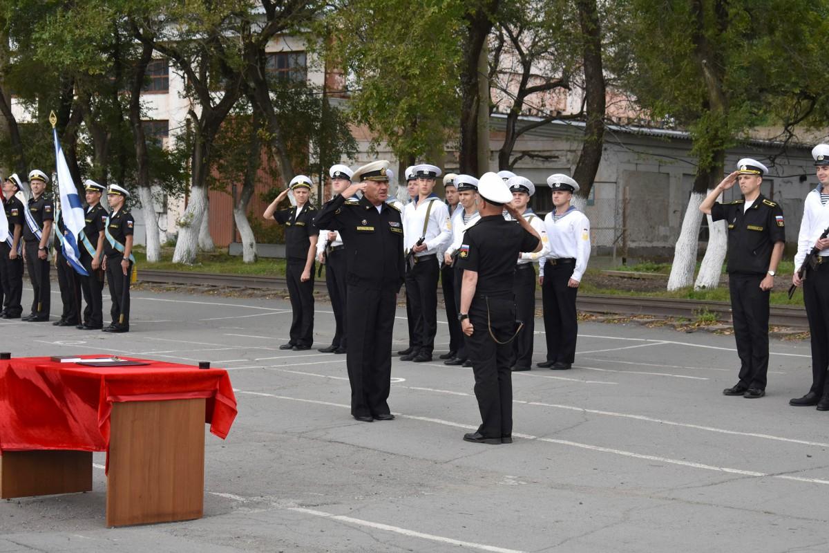 Курсанты-судоводители – выпускники военной кафедры приняли присягу