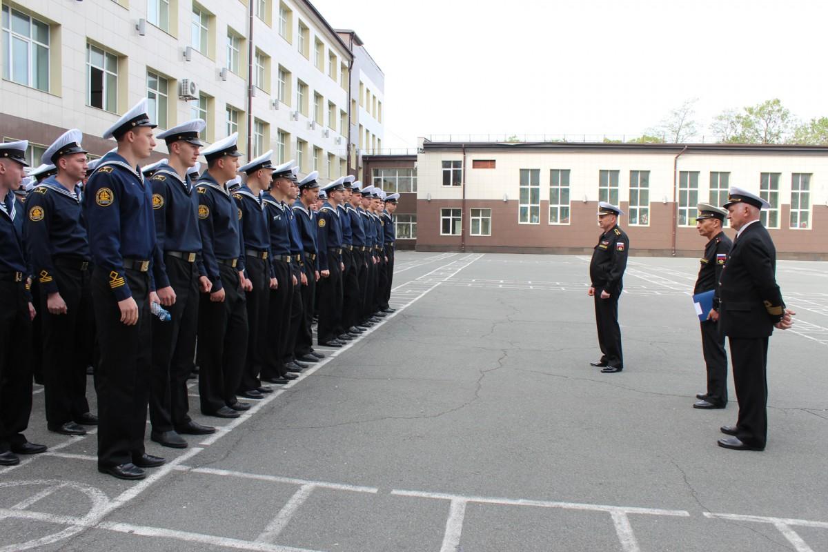Курсантов 17 роты СВФ торжественно проводили на плавательную практику