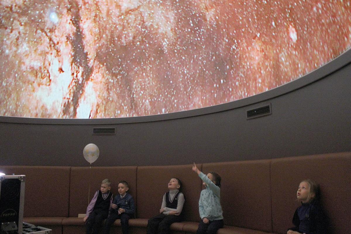 День космонавтики: моряков и космонавтов объединяет звездное небо