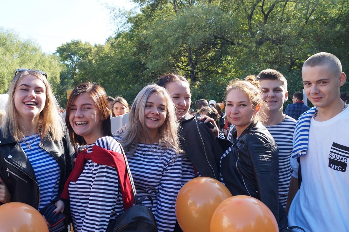 «Полосатая» колонна Морского университета в День тигра