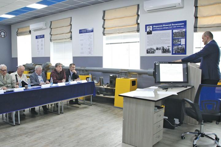 В центре подготовки научно-педагогических кадров успешно прошли заседания ГЭК