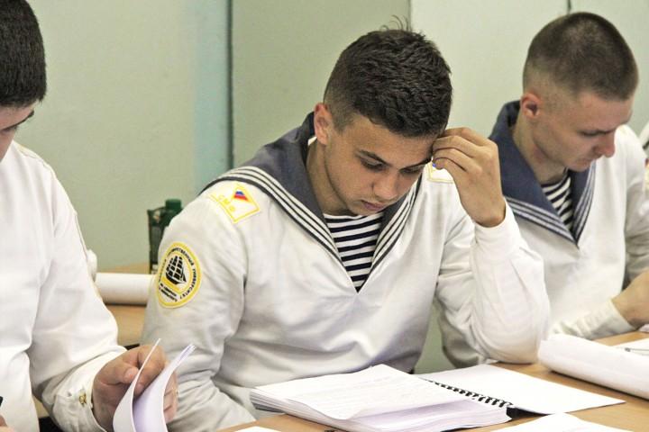 Защита дипломных проектов на судомеханическом факультете