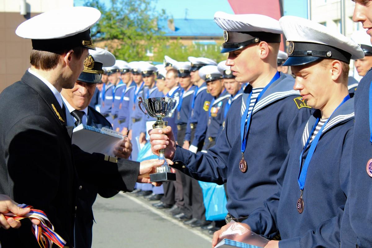 Кубки, медали и почетные грамоты – награды победителям Чемпионата