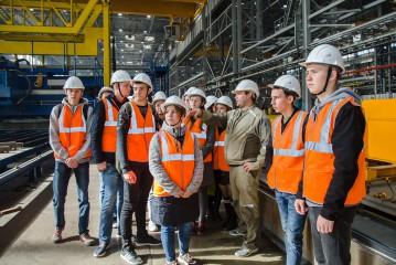 Будущие кораблестроители познакомились с созданием судов на ССК «Звезда»