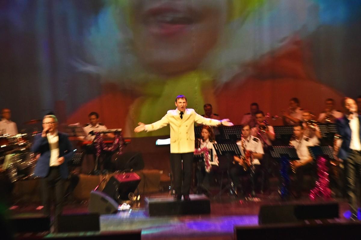 Праздничное настроение подарил зрителям новогодний концерт с оркестром