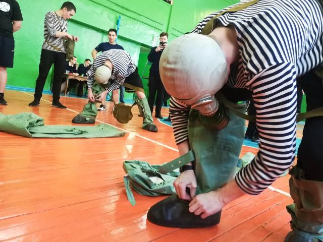 Военно-спортивная эстафета «Русский моряк может все!»