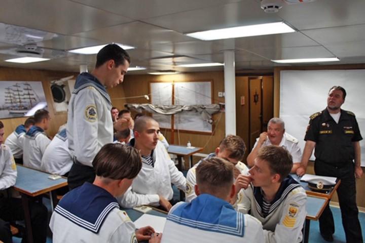 Игра «Brain Ring» позволила закрепить знания по морским дисциплинам