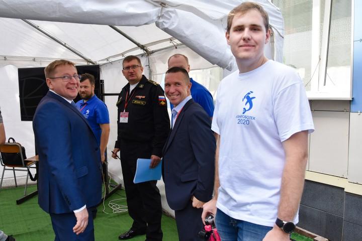 Захватывающие ситуации и спортивный азарт соревнований по подводной робототехнике
