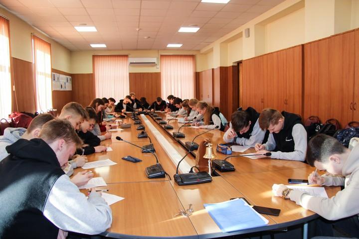 С университетом познакомились школьники «Роснефть-классов»