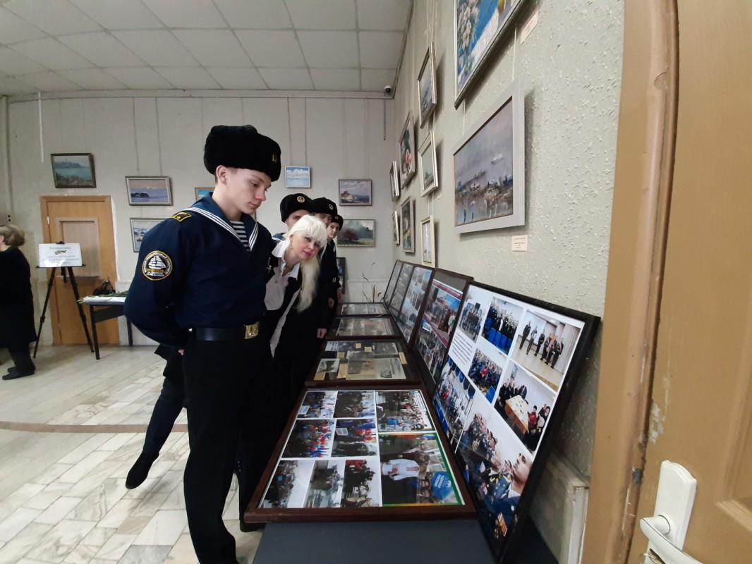 Курсанты МТК гостили у ветеранов на Первой Речке