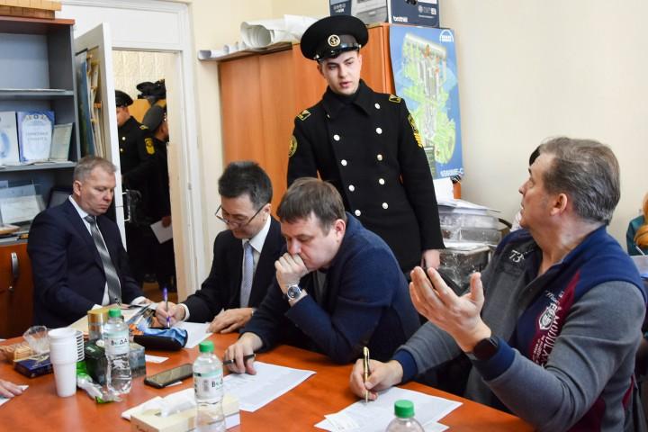 Во Владивостоке выпускники МГУ им. адм. Г.И.Невельского получили распределение на работу в судоходные компании