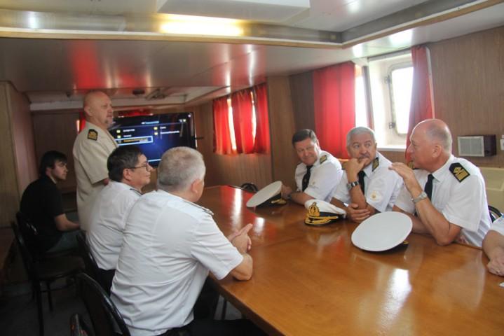 Торжественная встреча УПС «Профессор Хлюстин» из Арктики